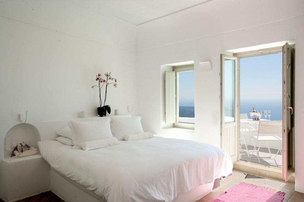 Deluxe Room2_Grace Santorini